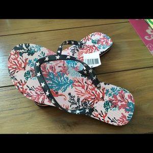 Vera Bradley Ladies 7 flip flops nwts